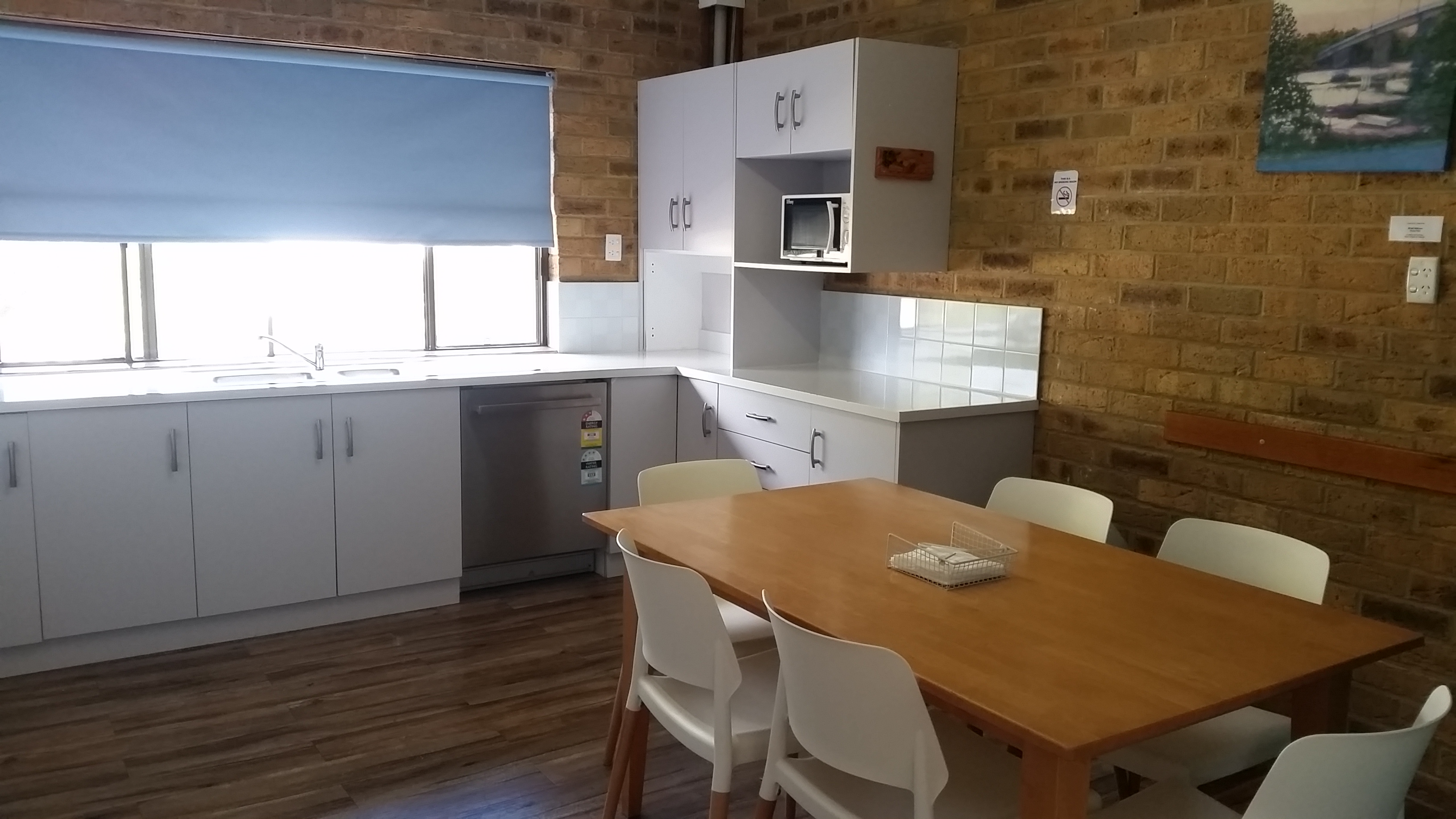 2 bed unit kitchen